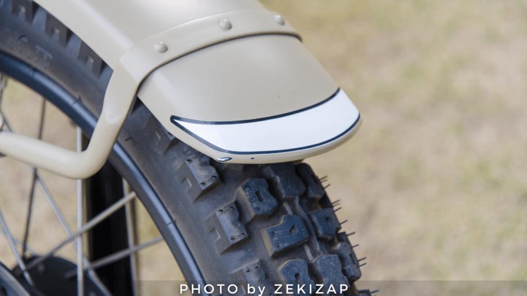 CT125ハンターカブのフロントフェンダー塗装がバイクカバーと擦れて剥げた画像