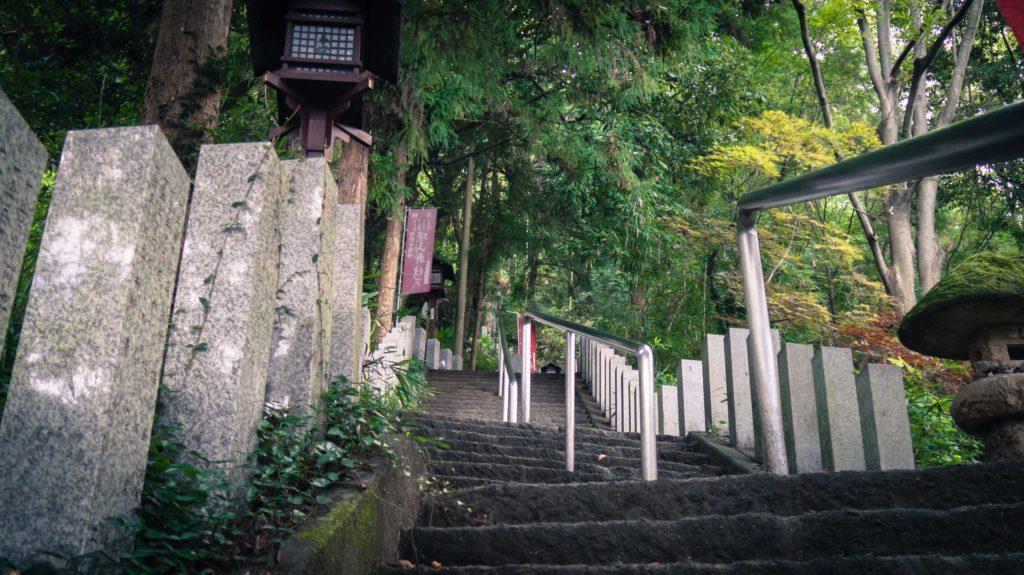 出流原万願寺までの石段
