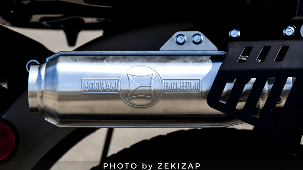 CT125ハンターカブ用モリワキのモンスターフルエキゾーストマフラーのサイレンサーモナカ管